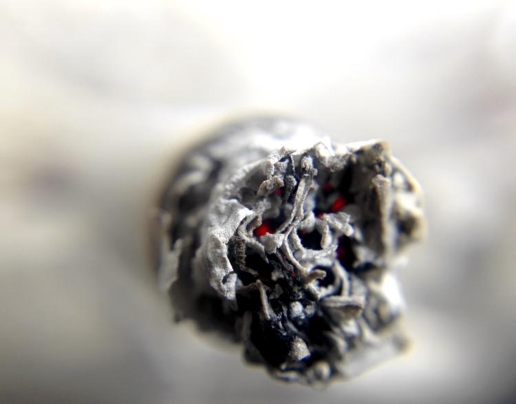 cigarette-1270516_1920